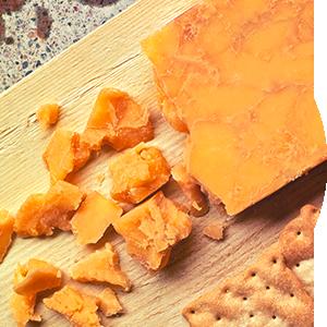 aito-cheddar-punaviini-jukolan-juusto