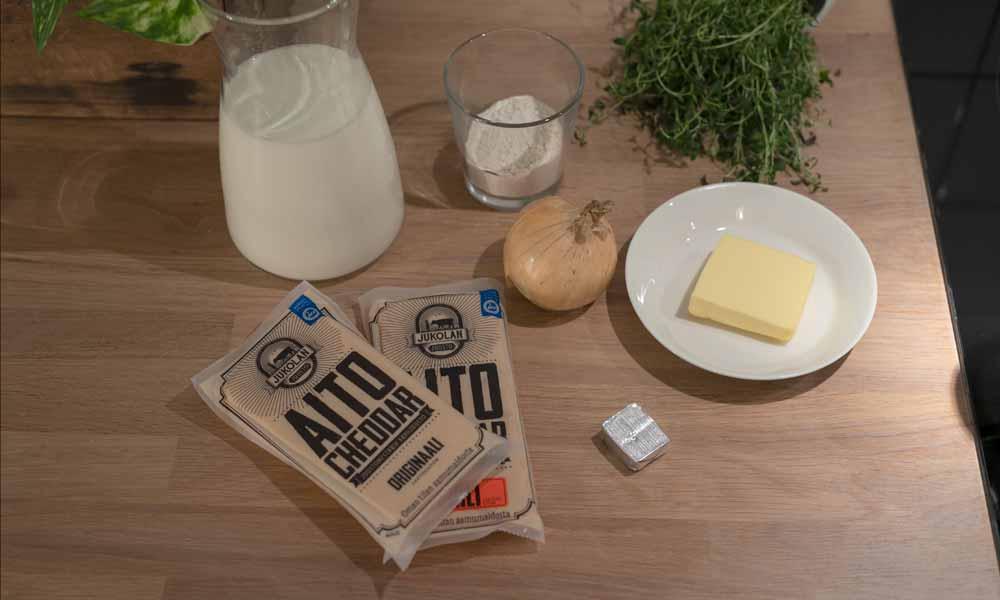 ainekset_cheddar-juustokeitto