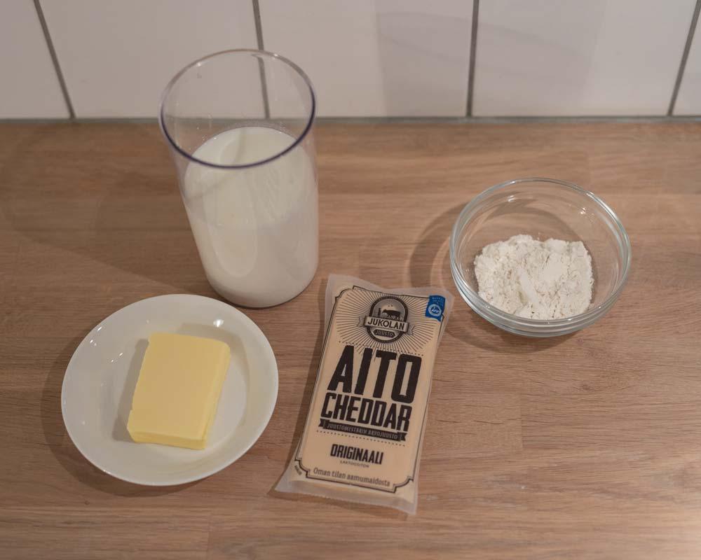 cheddar_juustokastike_resepti_tarvikkeet