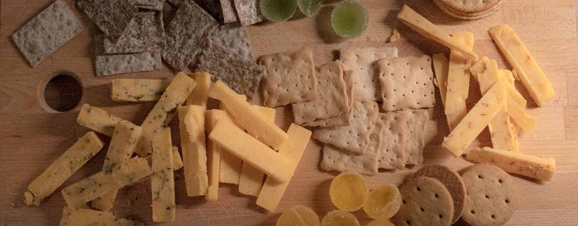 Aito Cheddar juustolautanen / juustotarjotin