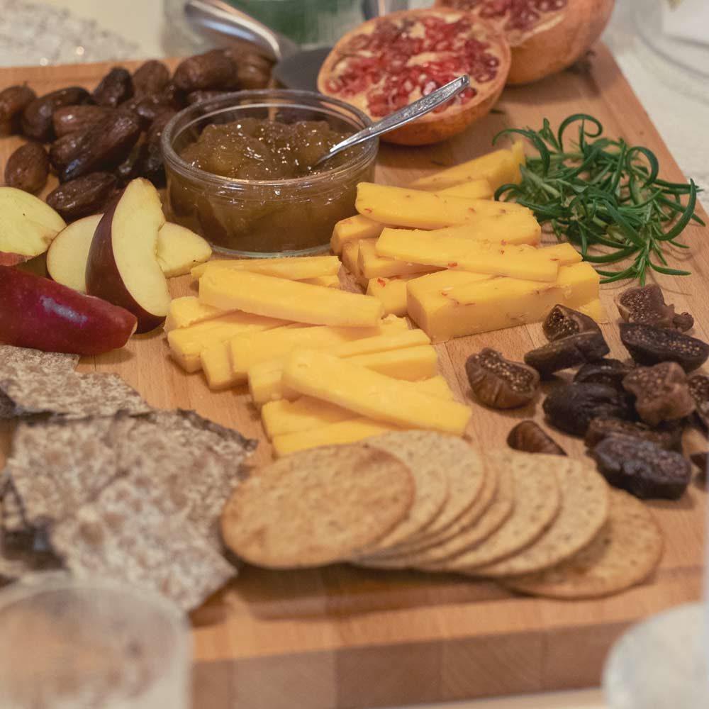 juustotarjotin tarjoiluehdotus